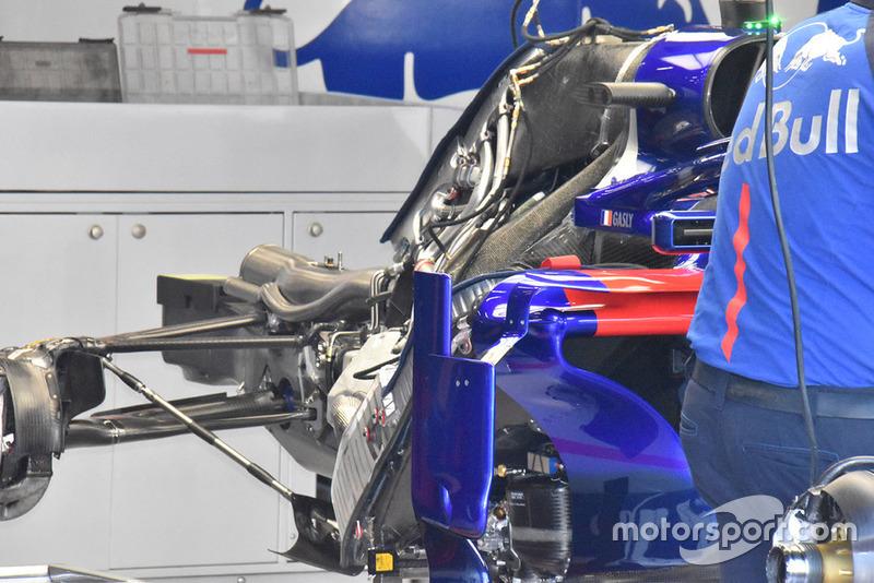 Scuderia Toro Rosso STR13 detalle trasero