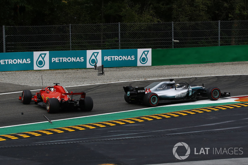 Vettel and Hamilton collide on the opening lap