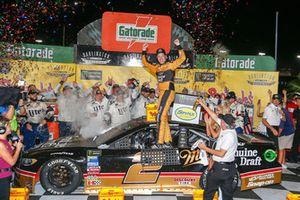 Ganador, Brad Keselowski, Team Penske, Ford Fusion Miller Genuine Draft