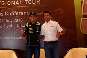 Hafizh Syahrin, Monster Yamaha Tech 3 and Dato' Razlan Razali, CEO Sepang International Circuit