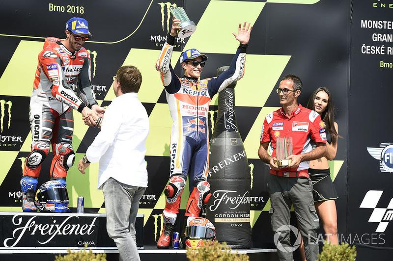 Podio: il vincitore della gara Andrea Dovizioso, Ducati Team, il terzo classificato Marc Marquez, Repsol Honda Team