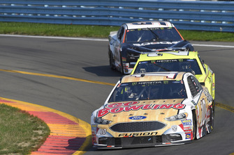 Aric Almirola, Stewart-Haas Racing, Ford Fusion Go Bowling, Paul Menard, Wood Brothers Racing, Ford Fusion Menards / Sylvania, Kasey Kahne, Leavine Family Racing, Chevrolet Camaro Procore