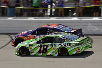Kyle Busch, Joe Gibbs Racing, Toyota Camry Interstate Batteries, Denny Hamlin, Joe Gibbs Racing, Toyota Camry FedEx Office