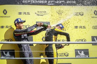 Podium: Max Fewtrell, R-Ace GP, Yifei Ye, Josef Kaufmann Racing