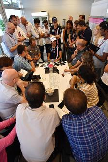 Esteban Ocon, Racing Point Force India F1 Team met de media