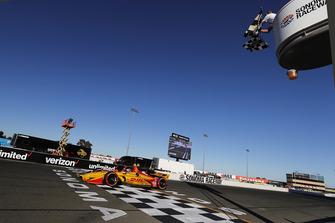 Ryan Hunter-Reay, Andretti Autosport Honda ziet de finishvlag