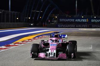 Sergio Perez, Racing Point Force India VJM11, in griglia di partenza