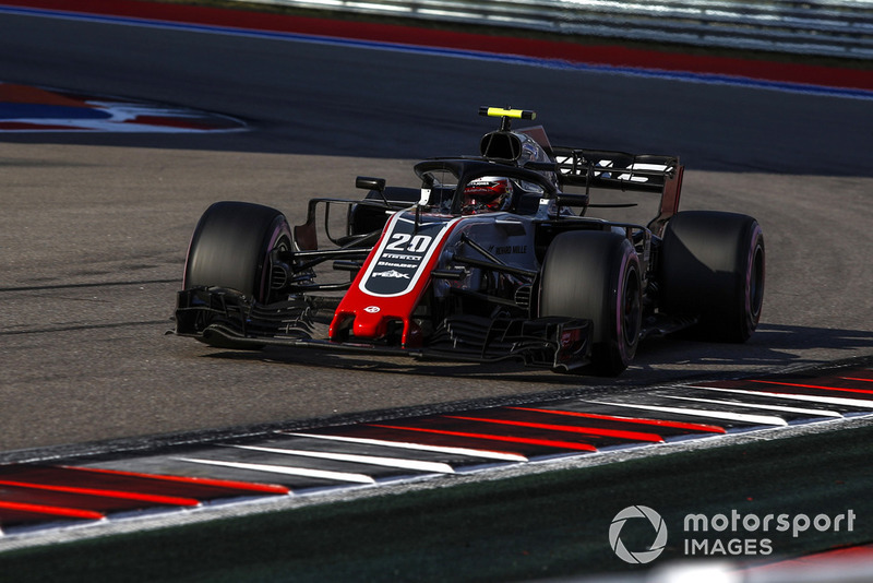 Magnussen and Haas celebrate fifth place in qualifying
