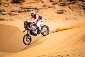 #54 Team Baines Rally KTM: Camille Chapeliere