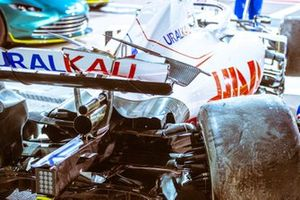 Nikita Mazepin, Haas VF-21, after crash