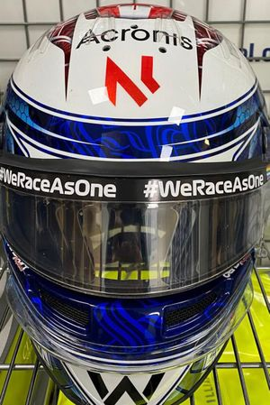 Casque de Nicholas Latifi, Williams