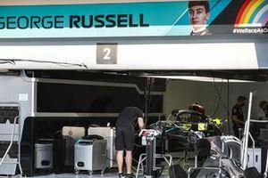 De pitbox van George Russell, Mercedes-AMG F1