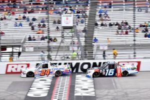 Raphael Lessard, GMS Racing, Chevrolet Silverado CANAC, Austin Hill, Hattori Racing Enterprises, Toyota Tundra Mobil 1