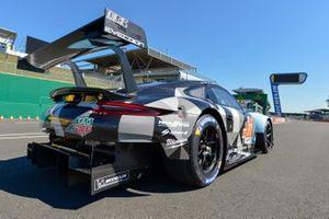 #77 Dempsey-Proton Competition Porsche 911 RSR