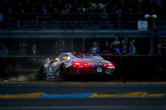 Crash of #81 BMW Team MTEK BMW M8 GTE: Martin Tomczyk, Nicky Catsburg, Philipp Eng