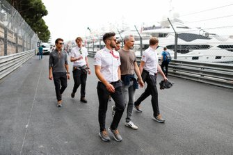 Lando Norris, McLaren walks the track