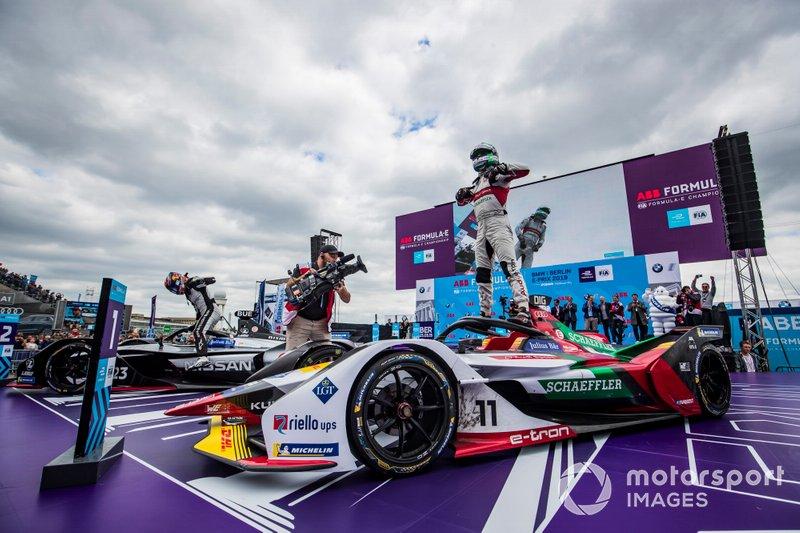 Ganador de la carrera Lucas Di Grassi, Audi Sport ABT Schaeffler