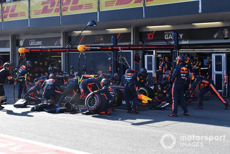 Max Verstappen, Red Bull Racing RB15, makes a pit stop