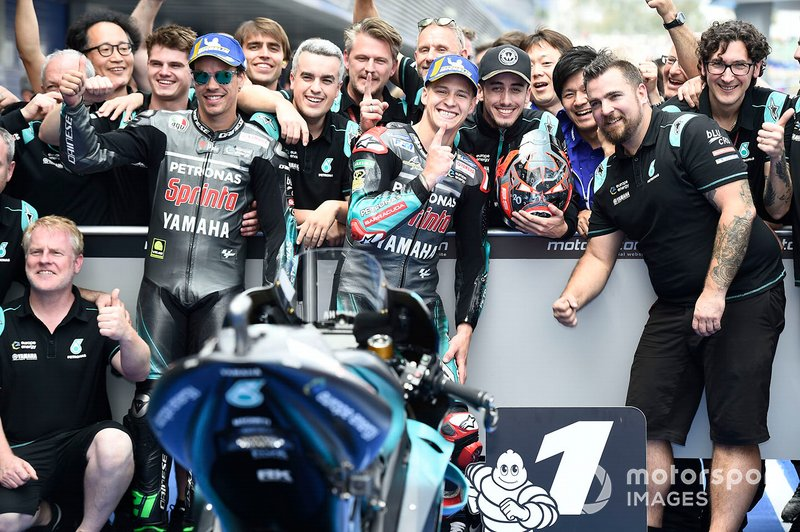 Ganador de la pole Fabio Quartararo, Petronas Yamaha SRT, segundo Franco Morbidelli, Petronas Yamaha SRT