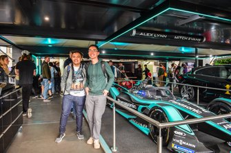 Fans met een Panasonic Jaguar Racing Jaguar I-Type 3