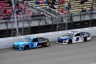 Martin Truex Jr., Joe Gibbs Racing, Toyota Camry Auto Owners Insurance and Chase Elliott, Hendrick Motorsports, Chevrolet Camaro NAPA AUTO PARTS