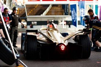Jean-Eric Vergne, DS TECHEETAH, DS E-Tense FE19 in the pit lane