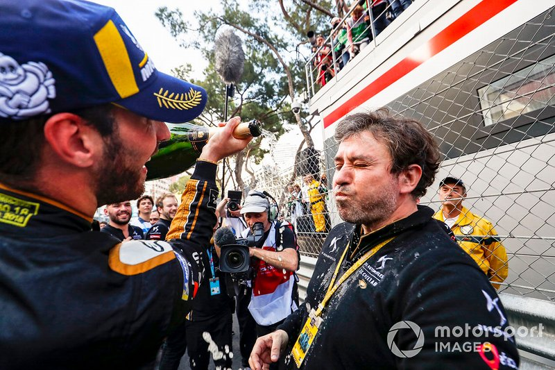 Jean-Eric Vergne, DS TECHEETAH celebrates victory in parc ferme with his team