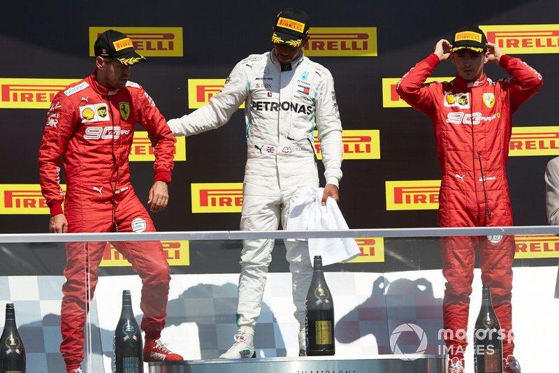 Podio: segundo lugar Sebastian Vettel, Ferrari, ganador de la carrera Lewis Hamilton, Mercedes AMG F1 y tercer lugar Charles Leclerc, Ferrari