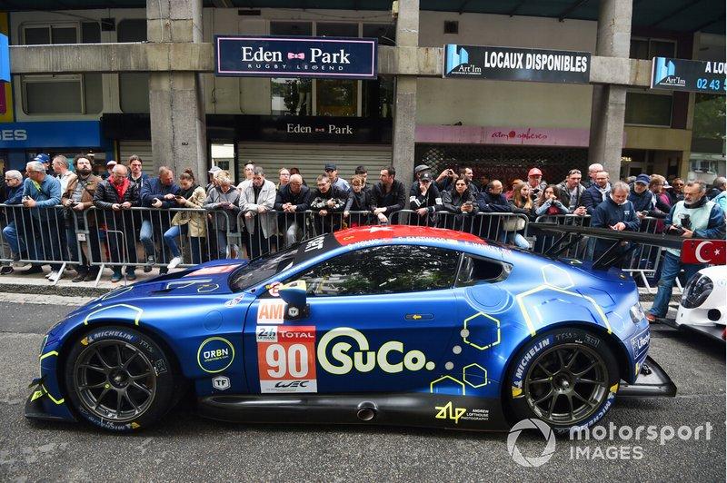 №90 Aston Martin Vantage