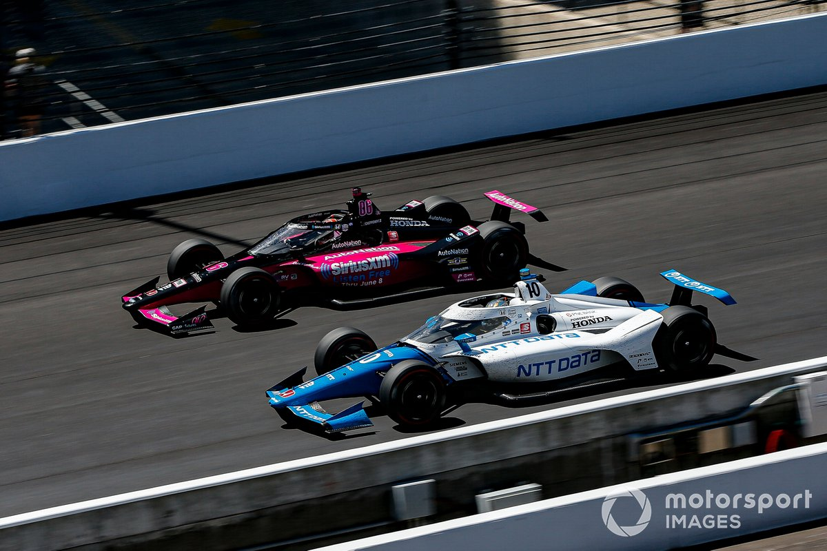 Helio Castroneves, Meyer Shank Racing Honda, Alex Palou, Chip Ganassi Racing Honda