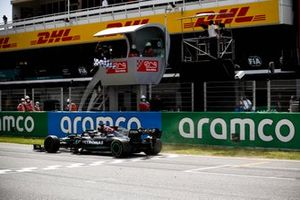Race Winner Lewis Hamilton, Mercedes W12 crosses the finish line