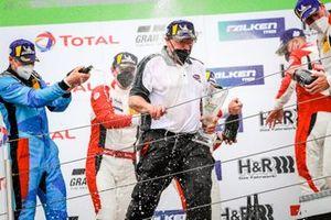 Podio: Klaus Abbelen, director del equipo Frikadelli Racing