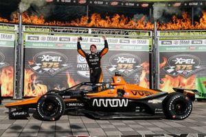 Patricio O'Ward, Arrow McLaren SP Chevrolet in victory lane