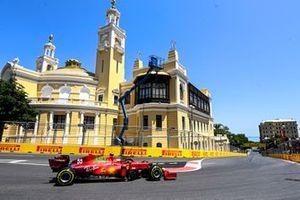 Карлос Сайнс, Ferrari SF21