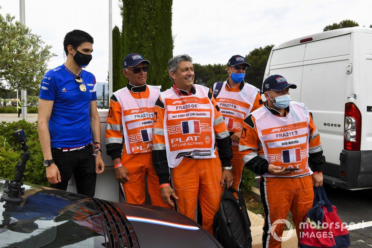 Esteban Ocon, Alpine F1 con comisarios de Paul Ricard