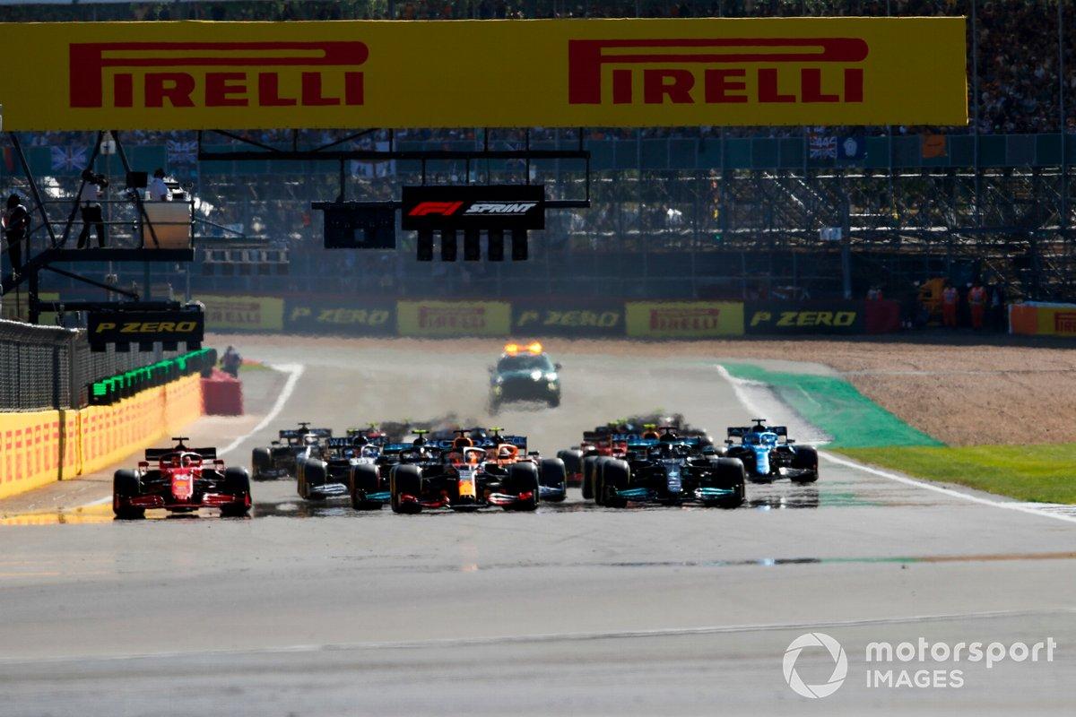 Lewis Hamilton, Mercedes W12, Max Verstappen, Red Bull Racing RB16B, Valtteri Bottas, Mercedes W12, Charles Leclerc, Ferrari SF21