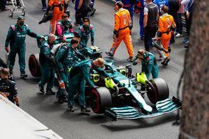 Sebastian Vettel, Aston Martin AMR21, arrives on the grid