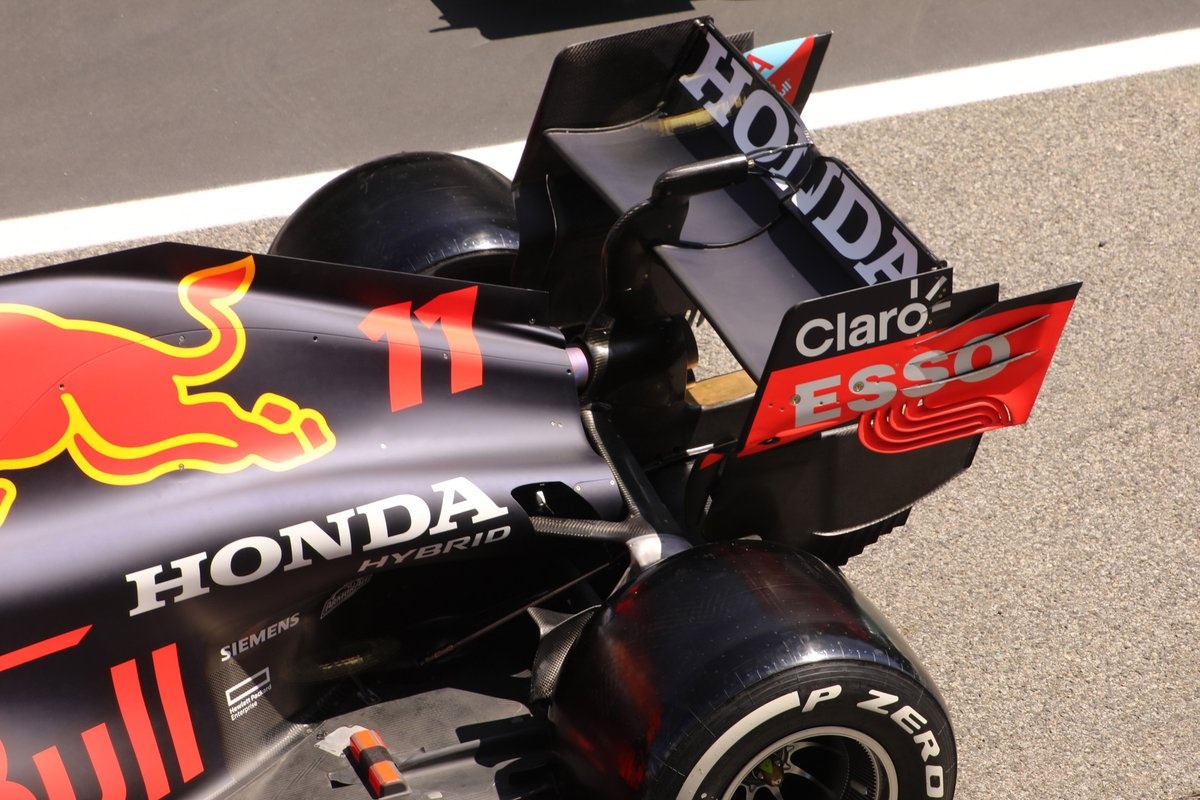 Заднее антикрыло Red Bull RB16B
