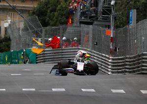 Mick Schumacher, Haas VF-21, fa un incidente in FP3