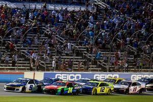 William Byron, Hendrick Motorsports, Chevrolet Camaro Axalta and Chase Elliott, Hendrick Motorsports, Chevrolet Camaro NAPA Auto Parts