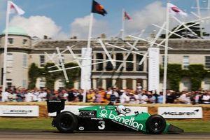 Ian Simmonds, Tyrrell 012