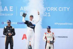 Jean-Eric Vergne, DS Techeetah, second position, Maximilian Guenther, BMW I Andretti Motorsport, first position, Lucas Di Grassi, Audi Sport ABT Schaeffler, third position, celebrate on the podium