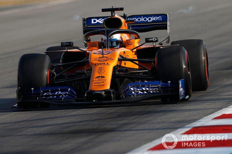 Carlos Sainz Jr., McLaren MCL34, con dei vortici accanto all'ala posteriore