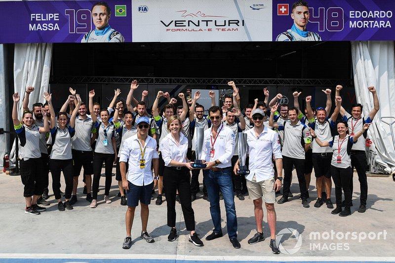Edoardo Mortara, Venturi Formula E, riceve il premio del vincitore di Hong Kong