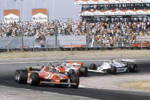 Жиль Вильнёв, Ferrari 126CK, Жак Лаффит, Ligier JS17 Matra, Джон Уотсон, McLaren MP4/1, и Карлос Ройтеман, Williams FW07C Ford