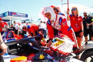 Pascal Wehrlein, Mahindra Racing, on the grid