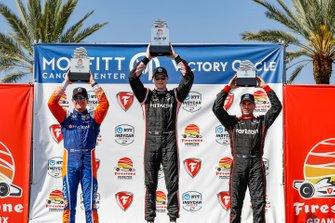 Scott Dixon, Chip Ganassi Racing Honda, Josef Newgarden, Team Penske Chevrolet, Will Power, Team Penske Chevrolet, podium