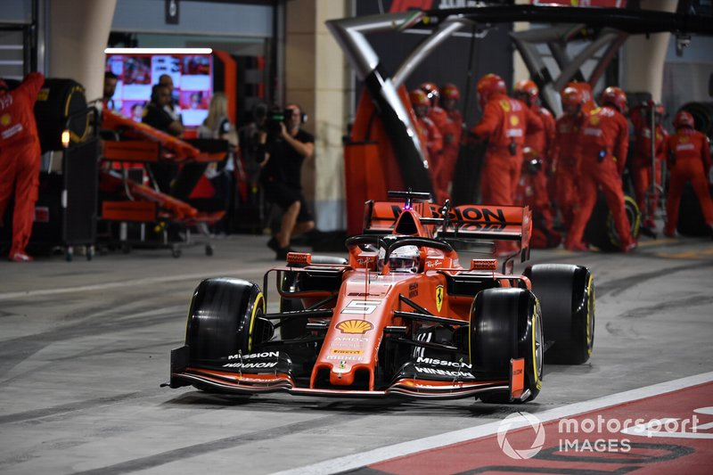 Sebastian Vettel, Ferrari SF90, sale de pits