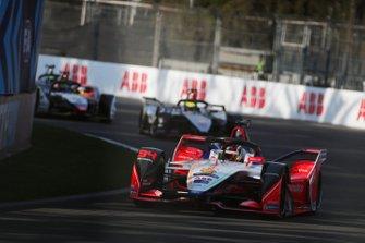 Pascal Wehrlein, Mahindra Racing, M5 Electro, Oliver Rowland, Nissan e.Dams, Nissan IMO1, en Lucas Di Grassi, Audi Sport ABT Schaeffler, Audi e-tron FE05
