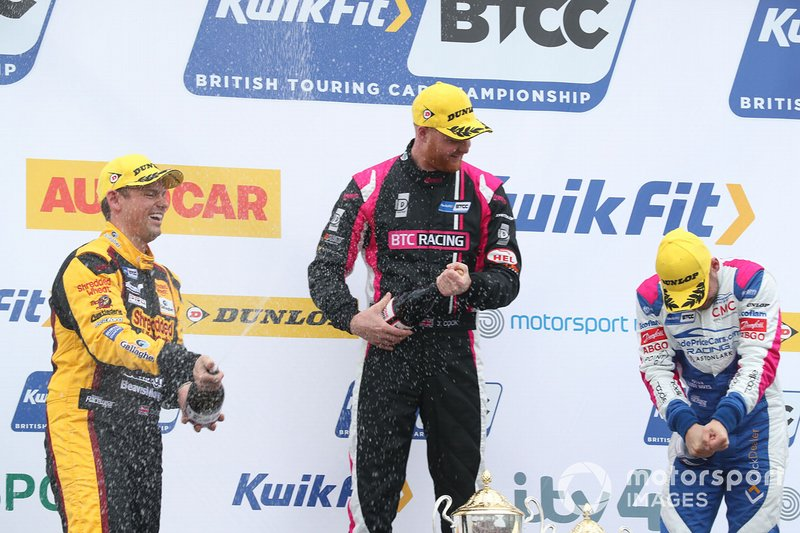Podium: race winner Josh Cook, BTC Racing Honda Civic, second place Jake Hill, Trade Price Cars Audi, third place Tom Chilton, Motorbase Performance Ford Focus